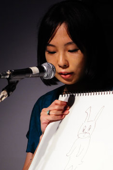 辛酸なめ子。写真は2009年7月25日に開催された第2回ギャグ漫画家大喜利バトル出場時のもの。