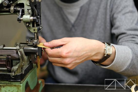 海賊伝説の残る岡山県笠岡市にて、熟練の職人がひとつひとつ手作りで製造する。