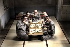 映画「極道めし」メインビジュアル(c)2011『極道めし』製作委員会