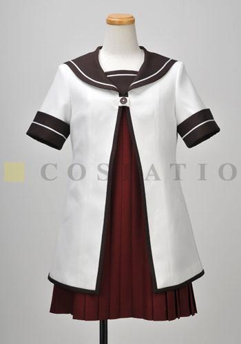 抽選で1名に当たる七森中学校制服(夏服)。