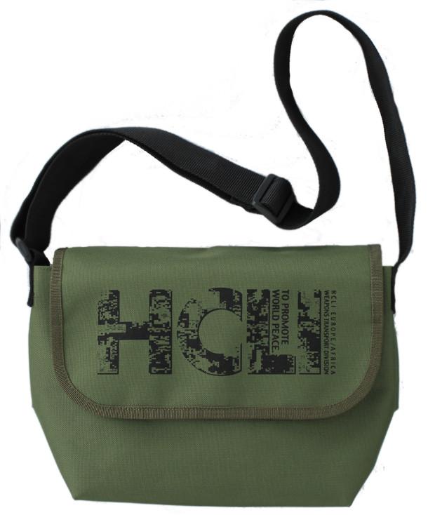 「ヨルムンガンド」グッズの1つ「HCLIメッセンジャーバッグ」。