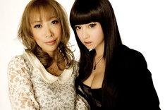 写真左から監督を務める蜷川実花、主演の沢尻エリカ。(C)2012 映画『ヘルタースケルター』製作委員会