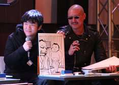 同じく「親方が新弟子に『お前、相撲ナメてんだろ』新弟子は何をした?」にイラストのみで答える押切蓮介(左)。