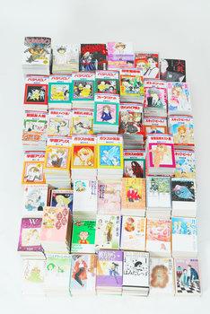 抽選で1名に当たる、40作品の単行本全巻一挙622冊。