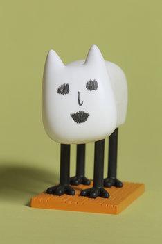 「鬼灯の冷徹」11巻限定版に付く「首振り猫好好ちゃん」。※写真は製作途中のもの。