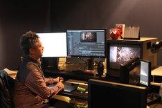 アニメ「シドニアの騎士」のアニメーション制作を手がけるCG制作会社ポリゴン・ピクチュアズの編集ルーム。