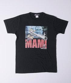 「劇場版 魔法少女まどか☆マギカ[新編] 叛逆の物語 グラフィックTシャツ『マミVer.』」のブラック。(c)Magica Quartet/Aniplex・Madoka Movie Project Rebellion