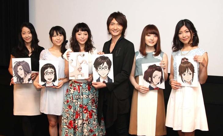 (左から)田中敦子、安野希世乃、平野綾、島崎信長、花澤香菜、前田玲奈