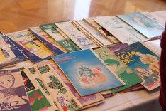 来場者には、海野つなみ作品の刷り出しが1人1部ずつプレゼントされた。