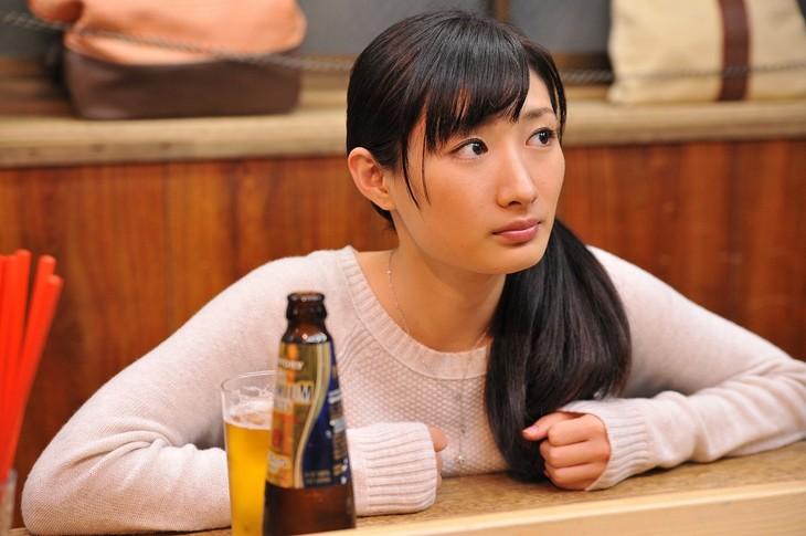 ドラマ「ワカコ酒」の場面写真。(c)新久千映/NSP 2011 (c)2015「ワカコ酒」製作委員会