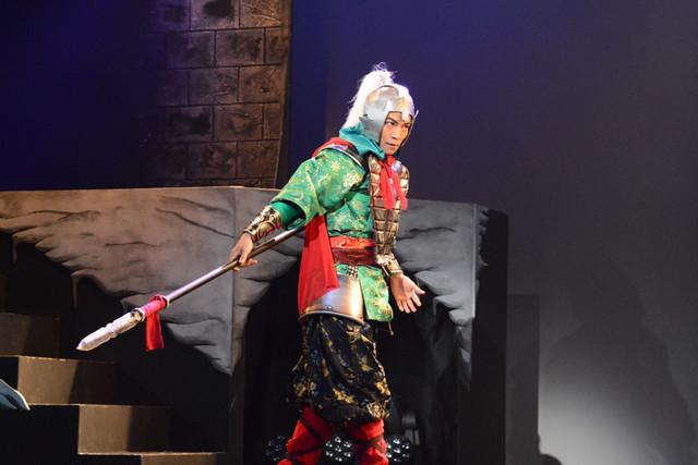 舞台「龍狼伝」公開稽古より、趙雲(鶴田亮介)。