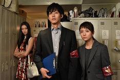 TVドラマ「サイレーン 刑事×彼女×完全悪女」の第1話より。