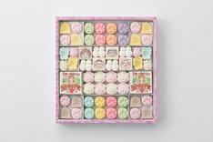 「ふく福たから箱」大1767円、小873円。各限定2500個。写真は大。
