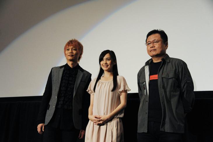 「サイボーグ009VSデビルマン」初日舞台挨拶の様子。左から浅沼晋太郎、M・A・O、川越淳。