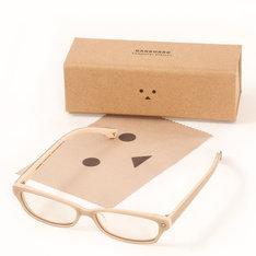 「Danboard Computer Glasses」は、PCメガネにメガネ拭きとケースも付属する。