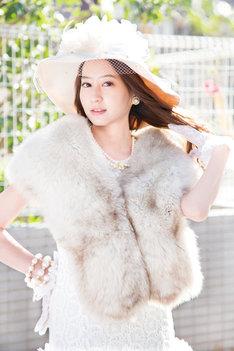 河北麻友子演じる白鳥麗子。