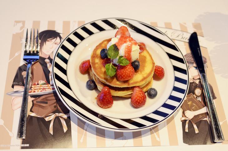 「ファントムカフェのスペシャルパンケーキ」