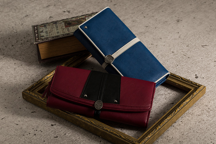 「鋼の錬金術師」エドワード・エルリックとロイ・マスタングモデルをモチーフにした財布。