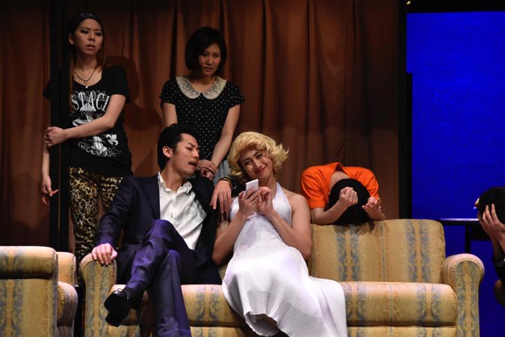 (前方左から)福士誠治、太田基裕。(後方左から)中尾ちひろ、天乃舞衣子。