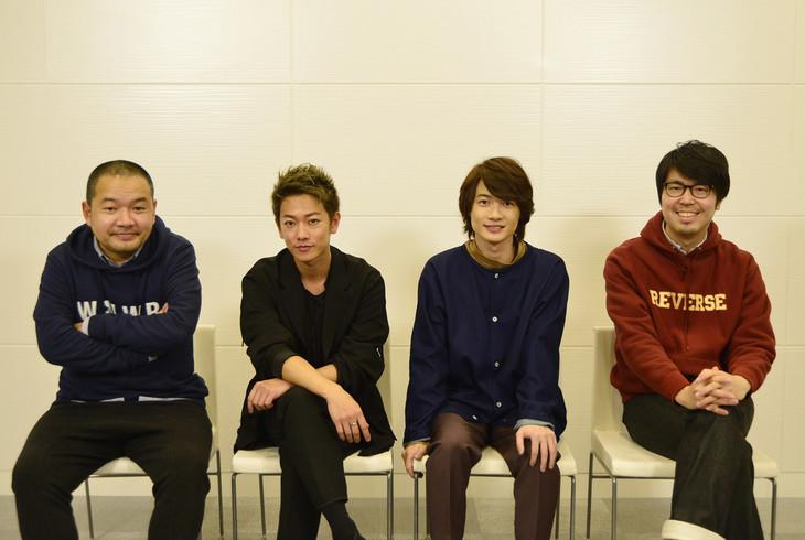 (左から)大根仁監督、佐藤健、神木隆之介、川村元気プロデューサー。