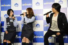 (左から)生駒里奈、松村沙友理、関智一。