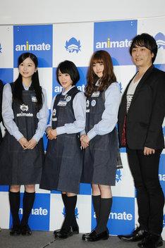 (左から)佐々木琴子、生駒里奈、松村沙友理、関智一。