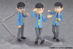 (左から)figma 松野トド松、figma 松野カラ松、figma 松野一松