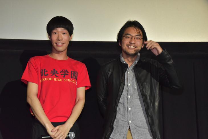 坂口涼太郎と小泉徳宏監督。