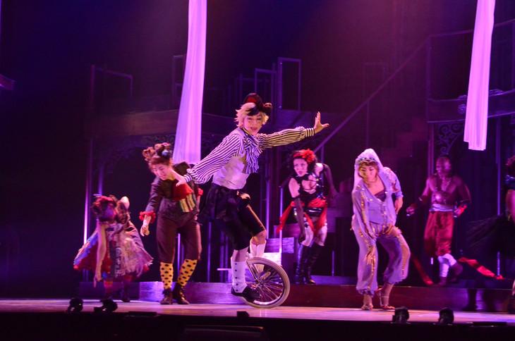 「ミュージカル『黒執事』~NOAH'S ARK CIRCUS~」ゲネプロの様子。三津谷亮演じるダガー。
