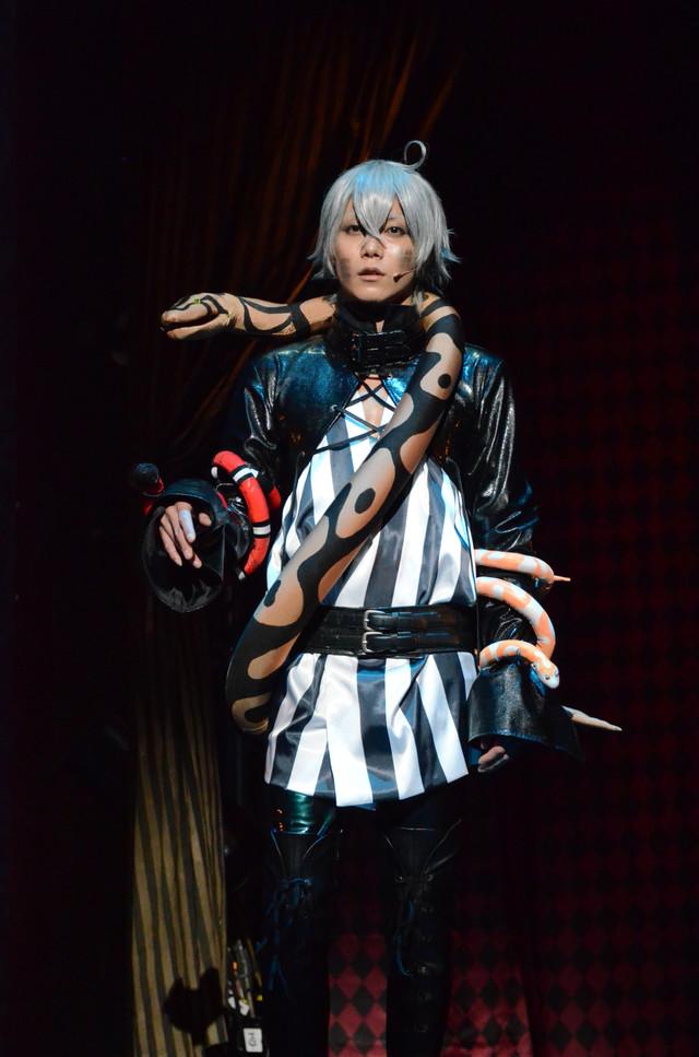 「ミュージカル『黒執事』~NOAH'S ARK CIRCUS~」ゲネプロの様子。玉城裕規演じるスネーク。