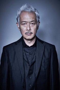 リリー・フランキー演じる平井銀二。(c)テレビ東京