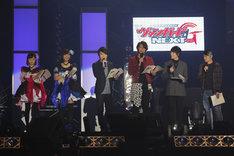 「カードファイト!! ヴァンガードG」のキャスト陣。左から工藤晴香、愛美、榎木淳弥、石井マーク、森嶋秀太、岸尾だいすけ。