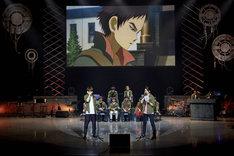 「鉄血愛クイズ」の答え合わせコーナーでは、タカキ・ウノ役の天崎滉平とアストン・アルトランド役の熊谷健太郎による生アフレコも展開された。