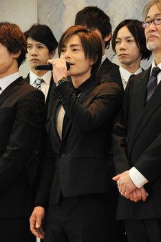 「Noirチーム」でラウルを演じる松本慎也。