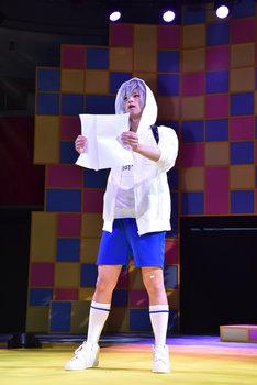 「TEEN×TEEN THEATER『初恋モンスター』」ゲネプロより、荒牧慶彦演じる高橋奏。