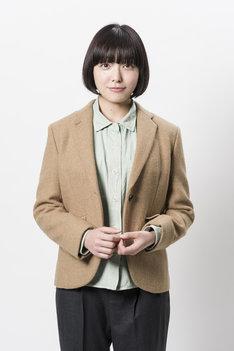 小林佑希役の我妻三輪子。