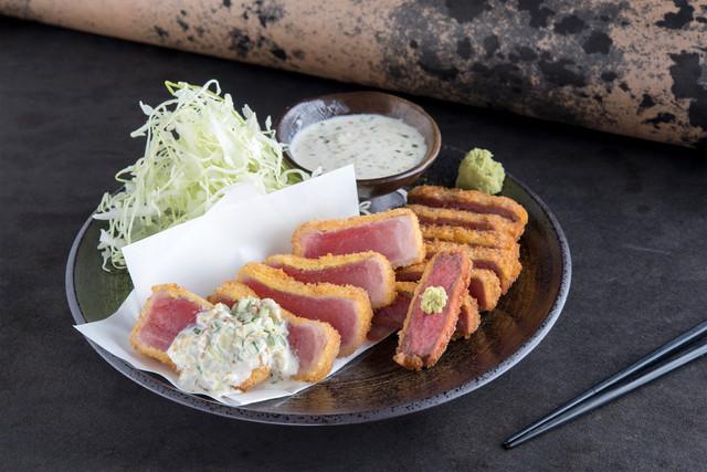 京都勝牛 秋葉原で提供される「棗屋の和定食 牛カツと鮪カツの相盛り膳」