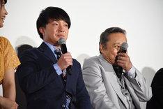 一言多かったことを濱田岳に指摘され、おちゃめな表情を見せる西田敏行。