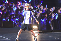 「コンサート Dream Live 2017」初日公演より、阿久津仁愛扮する越前リョーマ。