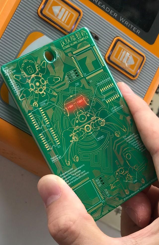 タチコマの基板カードケース(緑ver.)使用例。