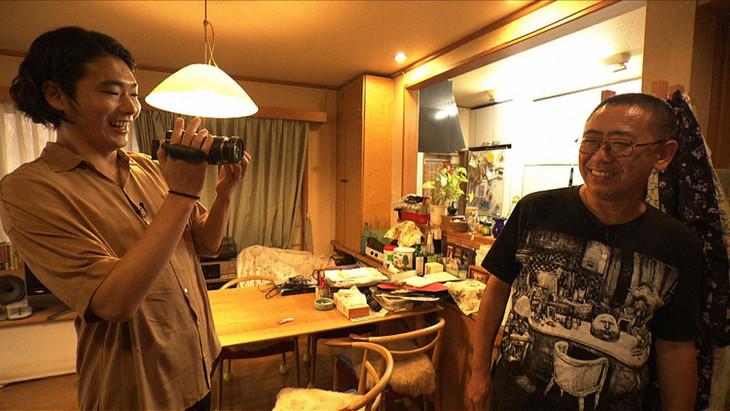 「SWITCHインタビュー 達人達」より、左から柄本佑、山本直樹。(写真提供:NHK)