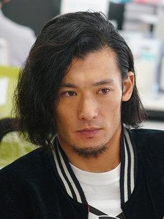 満島由紀夫役の淵上泰史。