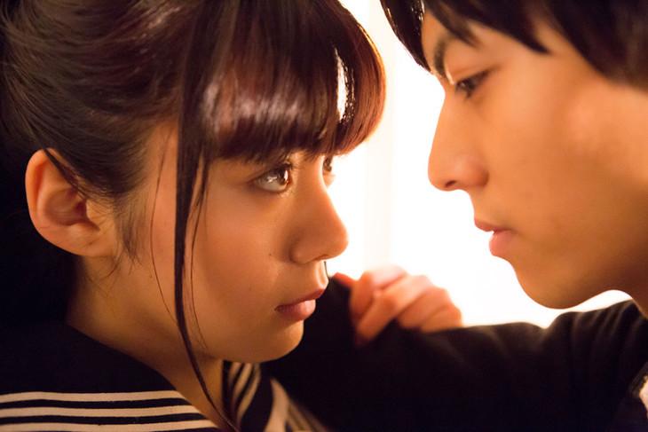 映画「一礼して、キス」場面写真