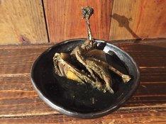カラスの真っ黒煮込み1980円(※10月25日~31日、1日限定5食)
