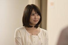 ドラマ「重要参考人探偵」より、志田未来演じる乙原ゆり。