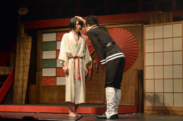 櫻井圭登演じる吉原詩郎と、末原拓馬演じる山田光路郎。