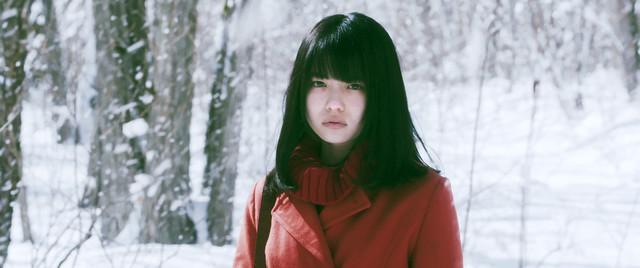 山田杏奈扮する野咲春花。