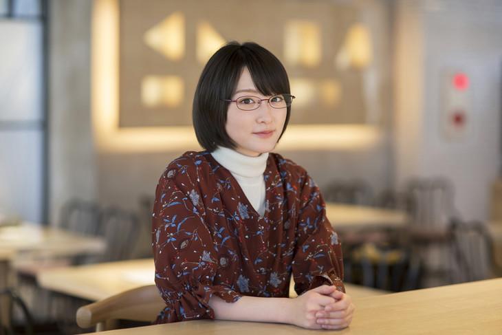 火村智子役の生駒里奈。