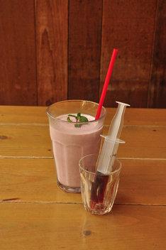 CAFE ZENONで飲める「ユダの血化粧シェイク」。