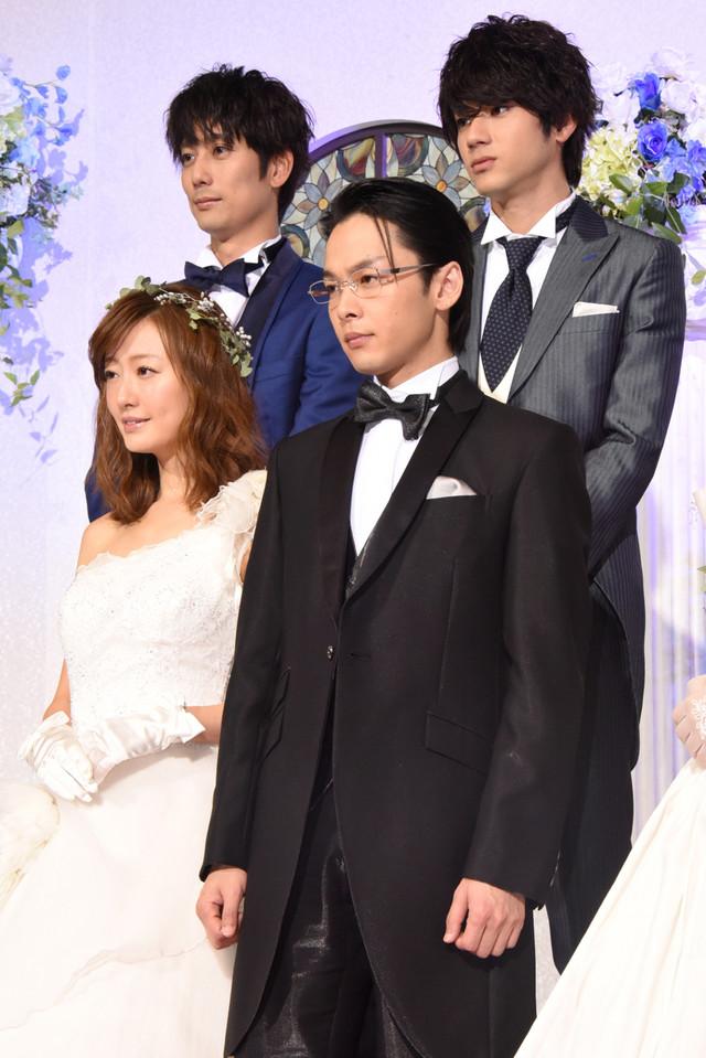 左上から時計回りに平岡祐太、山田裕貴、中村倫也、松本まりか。